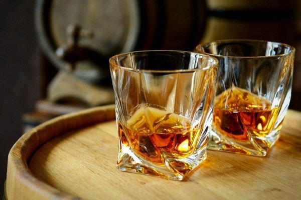 Какой алкоголь снижает давление — NET-ALKO