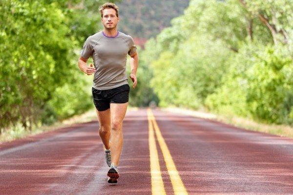 Бег при гипертонии: можно ли бегать при повышенном давлении