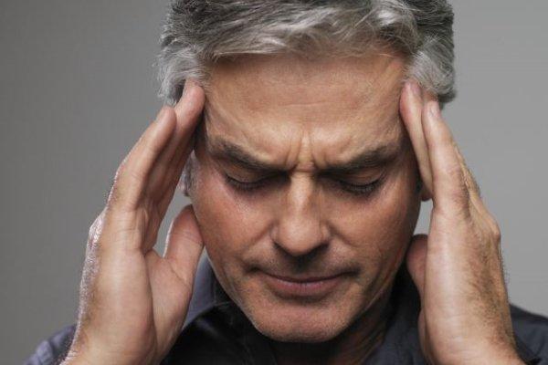 Как определить инсульт у человека признаки и первая помощь