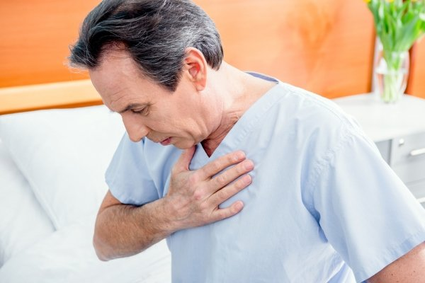 Почему возникает рвота при инфаркте?