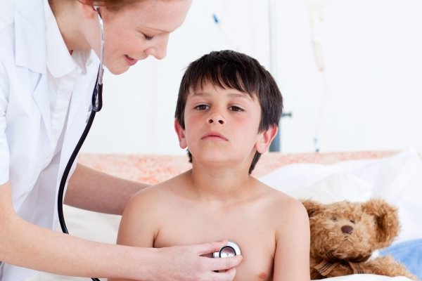Болезненные ощущения в груди у ребенка