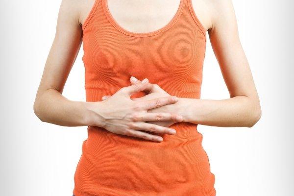 Боль внизу грудины