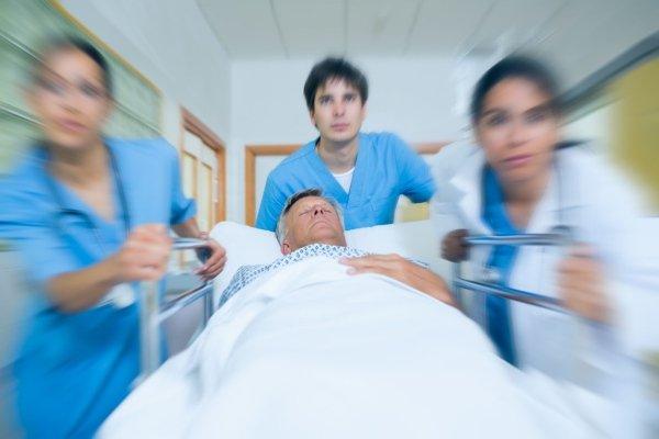 Пациент на каталке