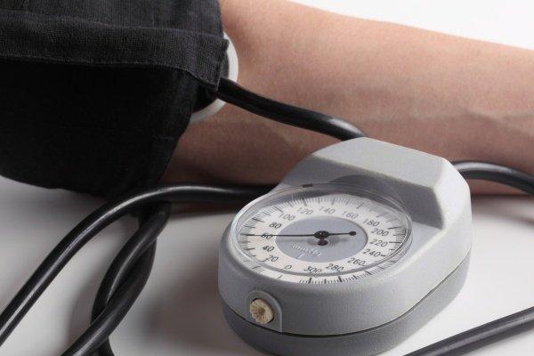 Артериальное давление 104 на 45