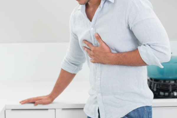 Микроинфаркт у мужчины