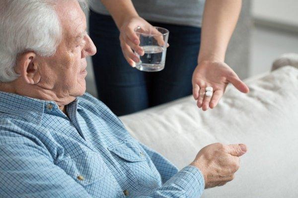 Дедушка и лекарства
