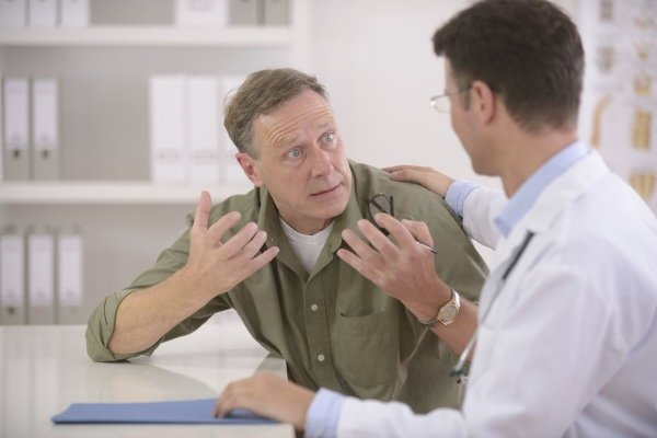 Доктор жалуется врачу
