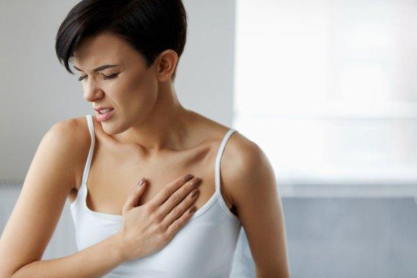 Боль слева в грудной клетке при вдохе